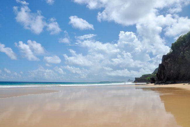 la plage Sancho a Noronha