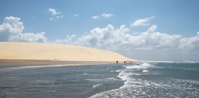 vue rasante de Jericoacoara et la grande dune
