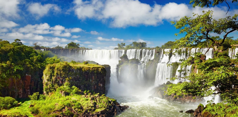 Chutes d'Iguaçu et bloc rocheux