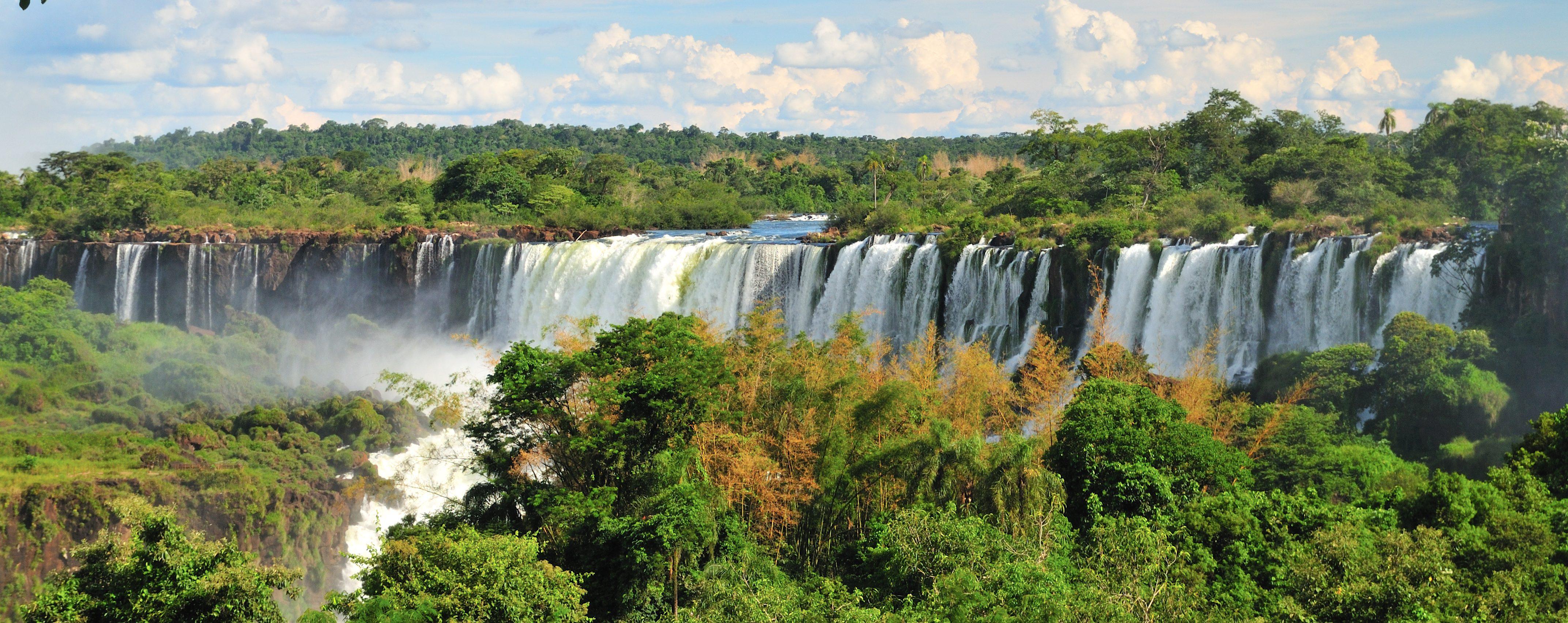 chutes d'Iguaçu vision en arc de cercle