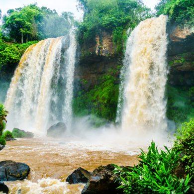 chutes d'Iguaçu_deux rideaux colorés
