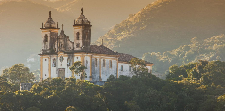 église dans la nature Minas Gerais