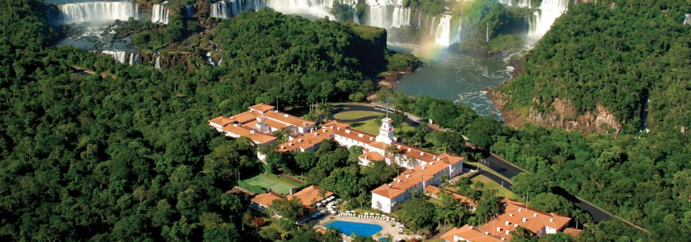 vue du ciel de l'hotel das Cataractas et des Chutes d'Iguaçu