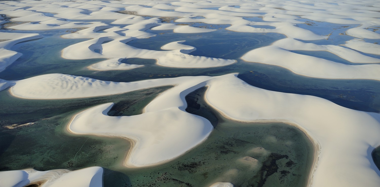 Lagunes lençois Maranhao vue d'avion