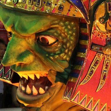 masque géant carnaval de Rio