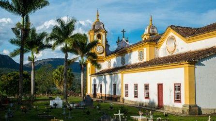 Minas Gerais Eglise et palmiers