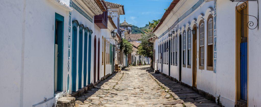 Paraty ruelle avec Azulejos et architecture coloniale