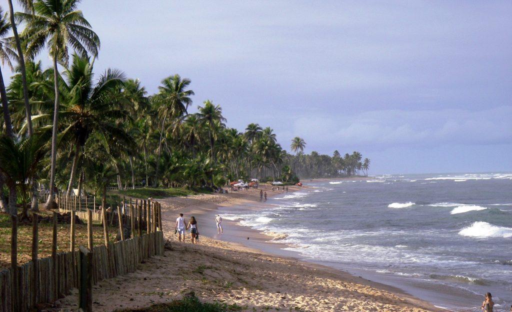 praia do Forte_promeneurs sur la plage