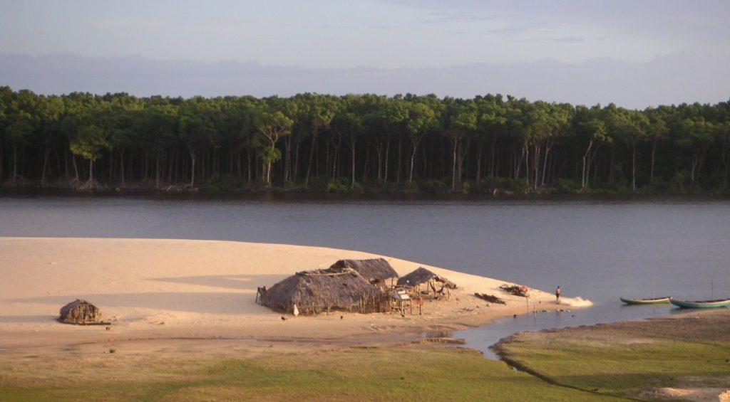paillote autochtones rio preguiças
