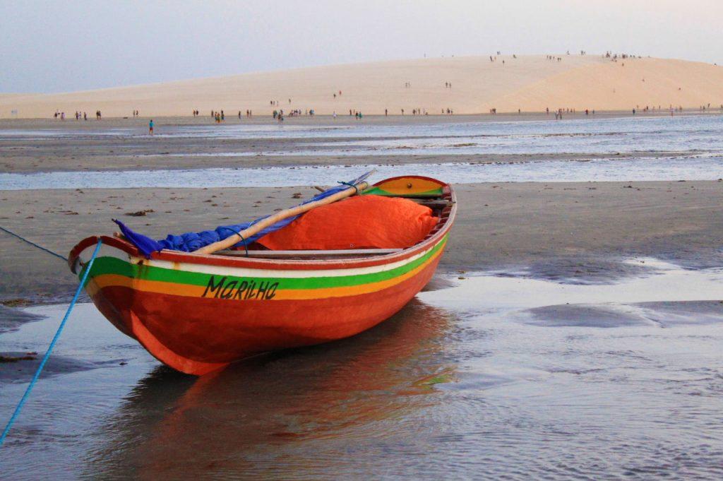 barque rouge plage Jericoacoara