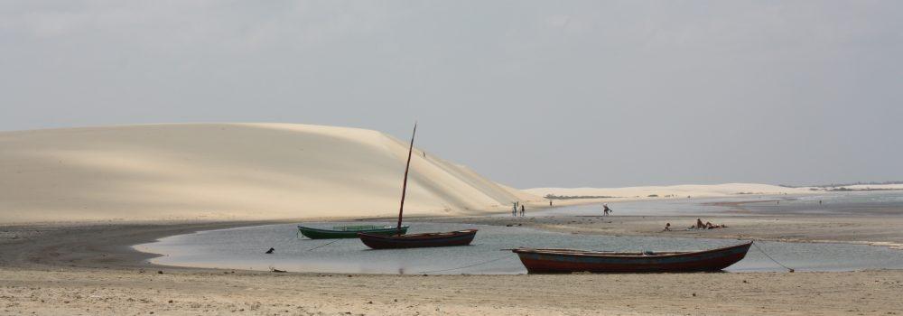 barques à marée haute plage de Jericoacoara