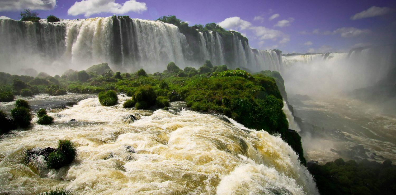 Iguaçu cataracte brésilienne vue de près