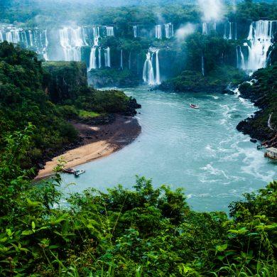 la fumée des chutes d'Iguaçu