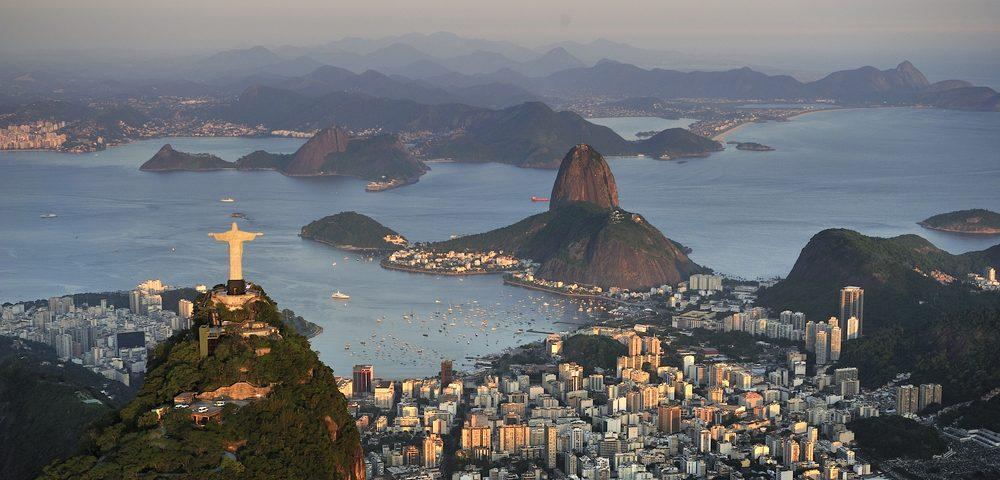 Rio de Janeiro le corcovado au coucher du soleil