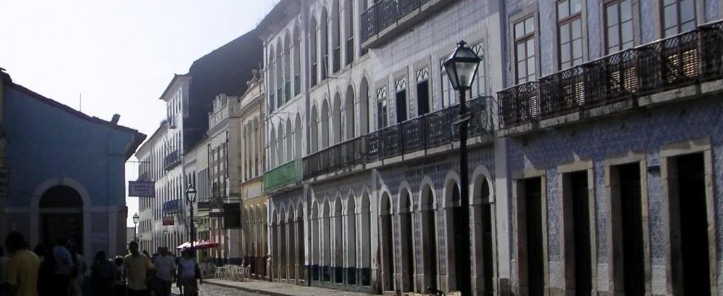 rue avec azulejos de Sao Luis