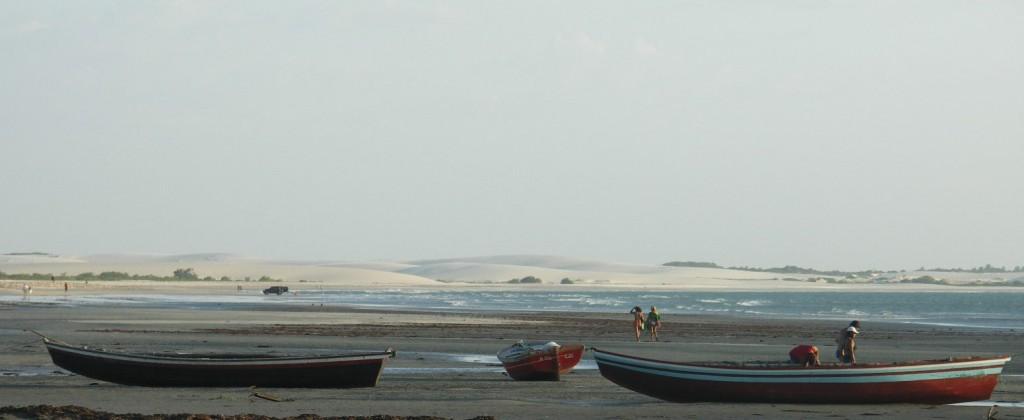 vision panoramique sur barques plage de Jericoacoara