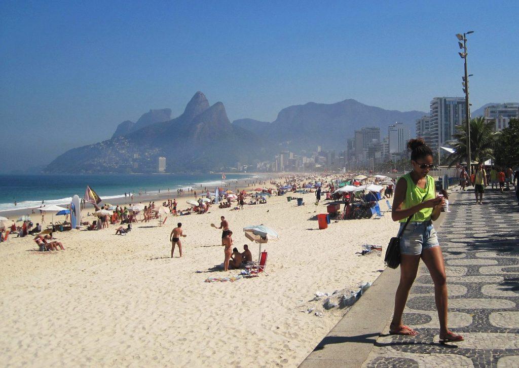 Brésilienne sur Copacabana plage