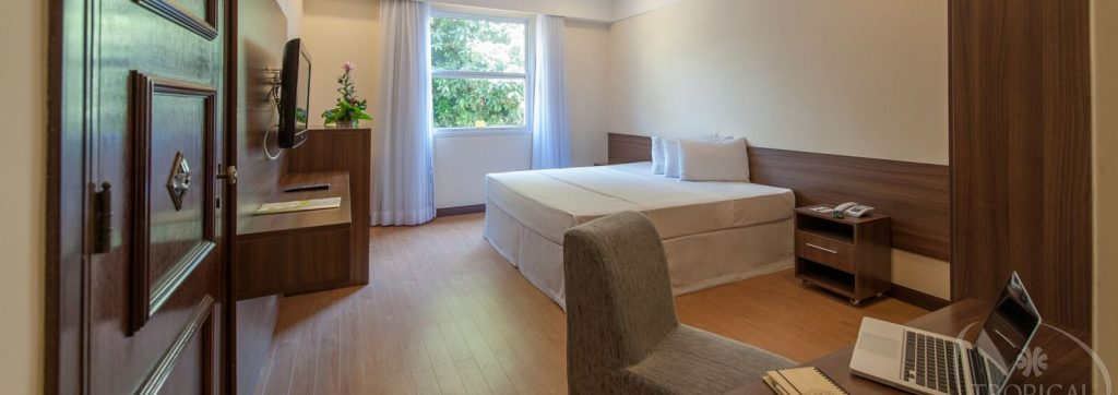 Chambre grand lit hotel Tropical Manaus