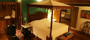 chambre lit baldaquin pousada do Amparo
