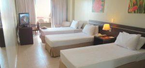 Chambre trois lits hotel Saint Paul Manaus