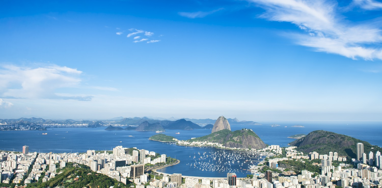 vue de la baie de Rio ensoleillée avec pain de sucre
