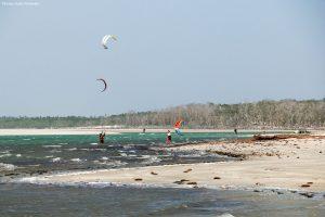 kit surfeur estuaire de la rivière Guriu