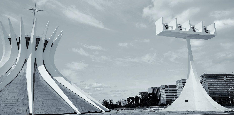 la cathédrale de Brasilia de Niemeyer
