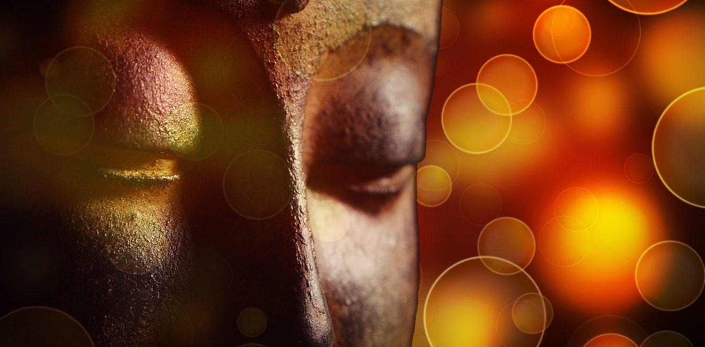 gros plan visage statue de Buddha