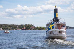 bateau dans le port de Stockholm